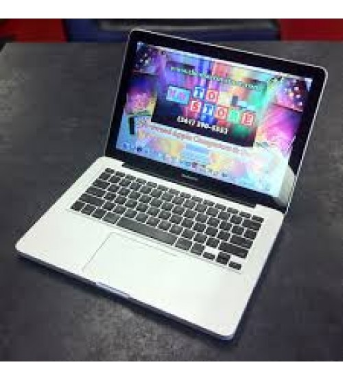 Macbook pro 13 inch MC700-Early 2011-Core i5-2415M-4GB-500GB-13.3 LED-Vỏ nhôm-Đèn phím